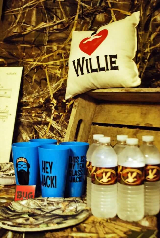 boys duck dynasty party drink decoration ideas
