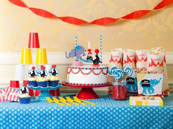 Sensational 30 Circus Birthday Party Cake Ideas Spaceships And Laser Beams Personalised Birthday Cards Bromeletsinfo