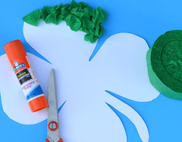Crete Paper Shamrock Craft