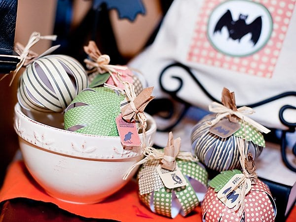 Halloween DIY Project Paper Pumpkin idea