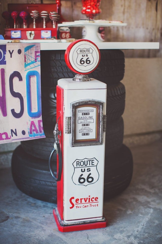 Vintage Car Themed Party Decoration Ideas