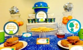 Alien Birthday Party Dessert Table 20939044