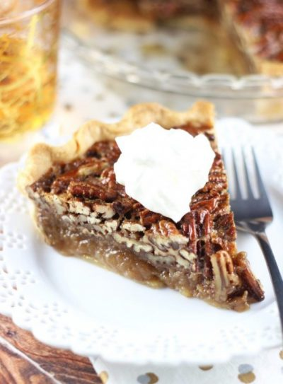 Brown Butter Bourbon Pecan Pie :: The Gold Lining Girl