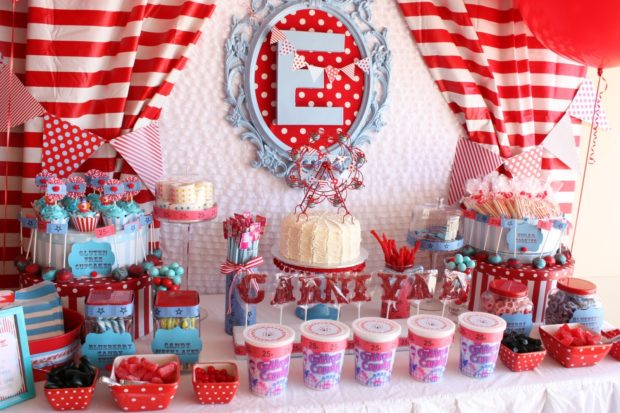 Inspiration carnival themed dessert table spaceships and laser beams - Carnival theme decoration ideas ...