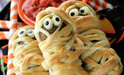 feature-Deliciously-adorable-Meatball-Mummies-These-are-the-cutest-Halloween-dinner