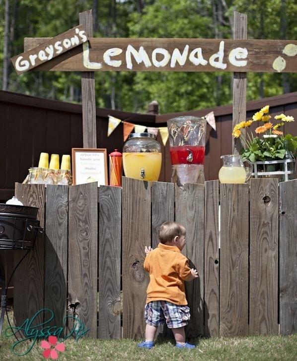 Inspiration Boy S Lemonade Stand First Birthday