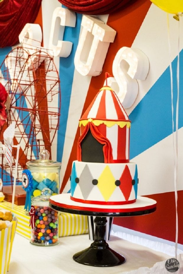 Boy's Circus Themed Birthday Party