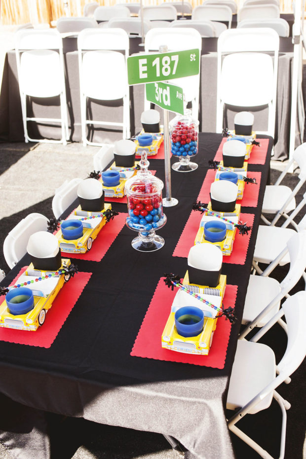 Boys New York city Table setting Ideas