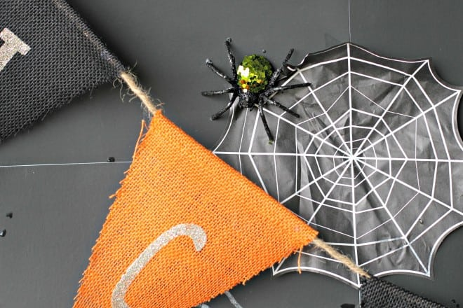 Glitter Spiders for Halloween Party