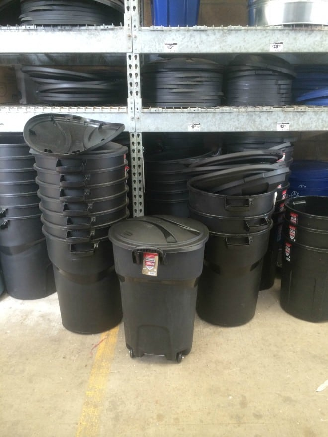Rubbermaid Trashcan at Home Depot