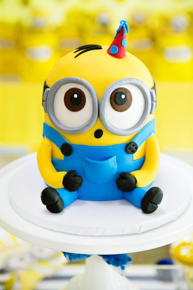 Boy's Minion Birthday Party Cake Idea