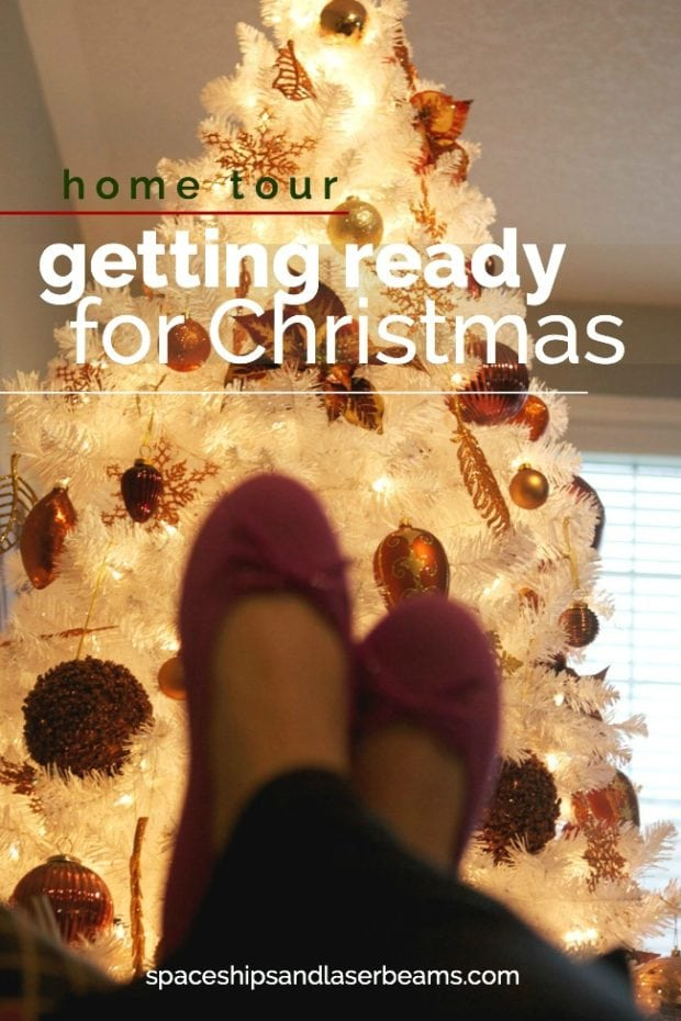 cover-christmas-home-tour-blogger