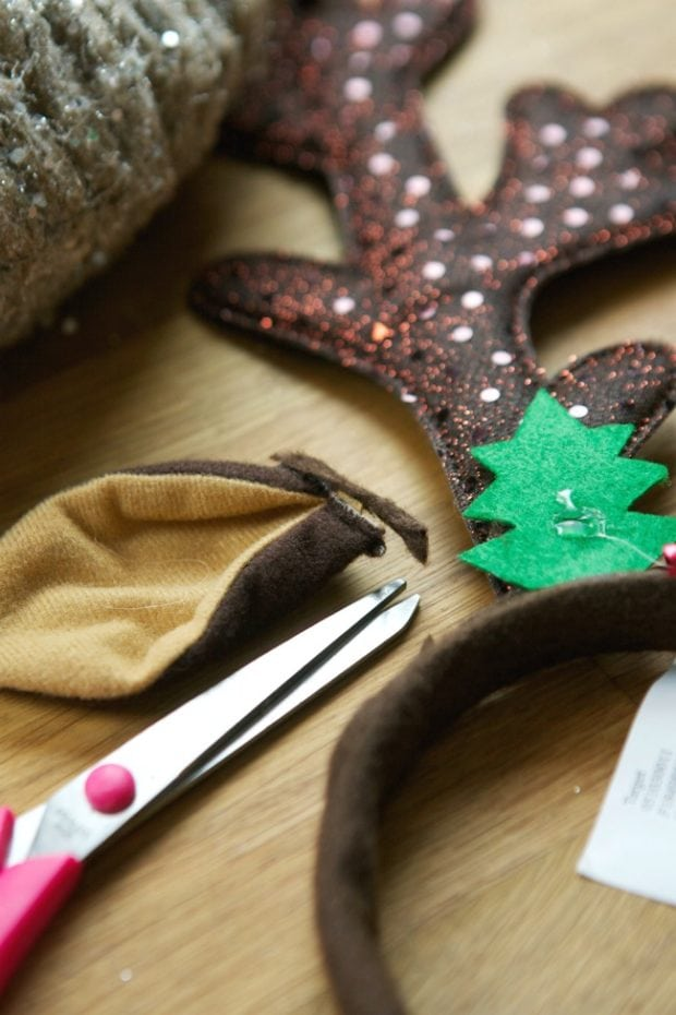 DIY Reindeer Wreath Ideas