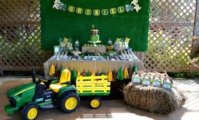 feature-boys-tractor-themed-birthday-party