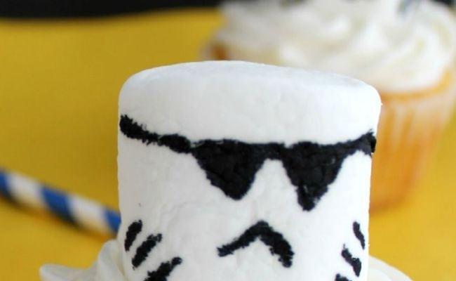 storm-trooper-cupcakes