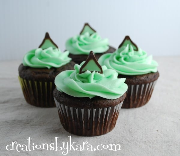 26 Mint Chocolate Cupcakes
