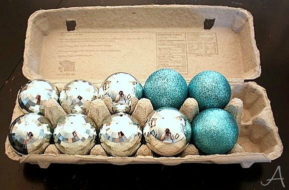 21 creative christmas decoration storage ideas for Christmas decorations using egg cartons