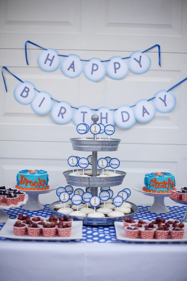 Boys Bubble Themed Party Table