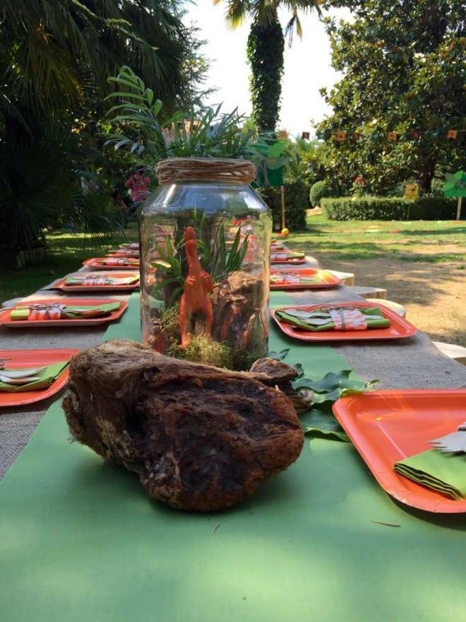Boys Dinosaur Themed Birthday Party Table Centerpiece Ideas