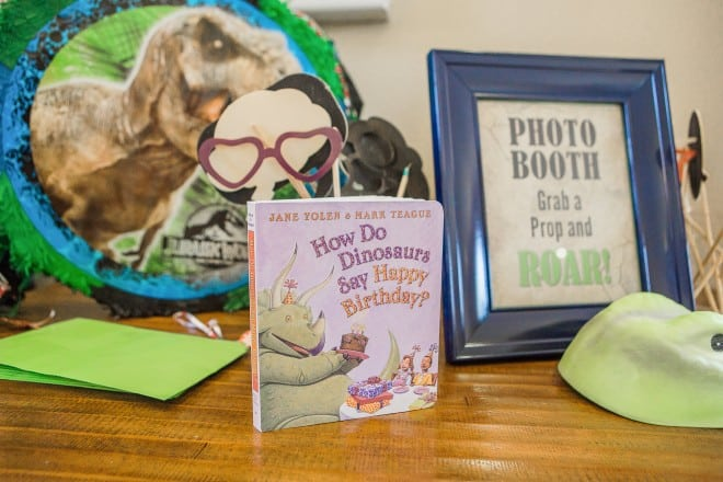 Dinosaur Themed Birthday Party Photo Booth ideas