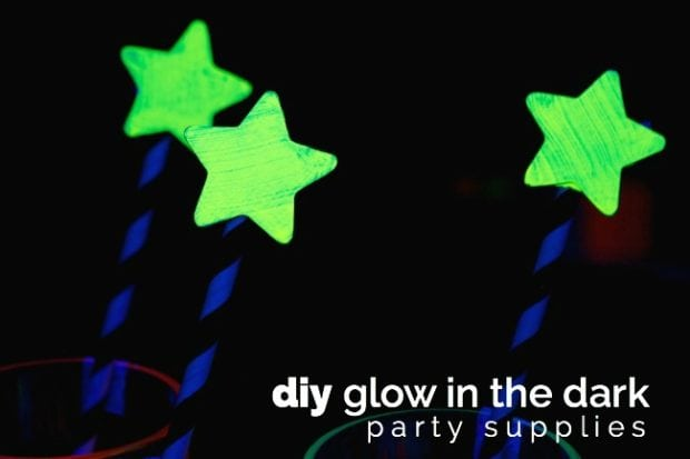 glow-in-the-dark-stir-sticks