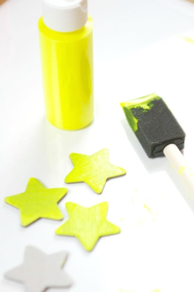 how-to-make-glow-in-the-dark-party-supplies