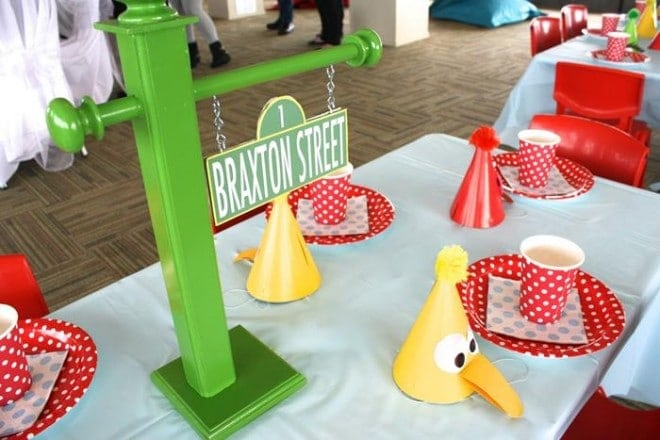 Elmo Themed BIrthday Party Guest Table Ideas
