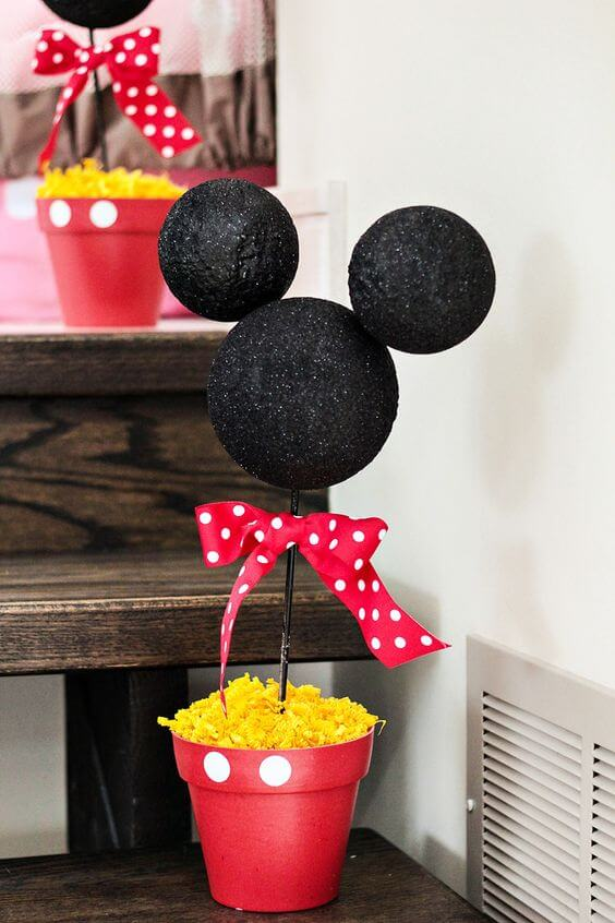13 Mickey Mouse Centerpiece Idea