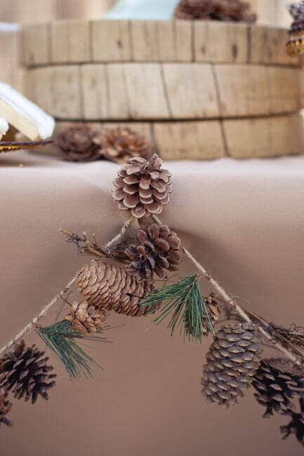 Pinecone Garland Decoration