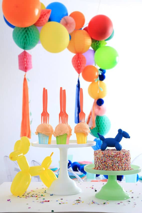 6 boys-party-animals-balloon-birthday