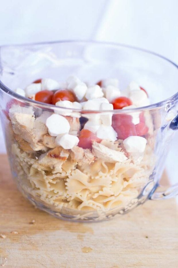 Recipe for Caprese Pasta Salad