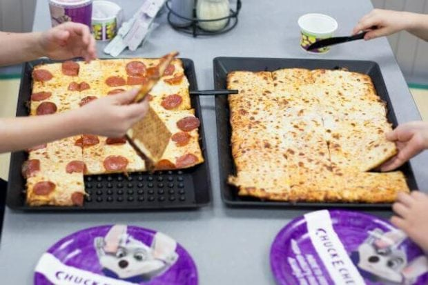 Chuck E Cheese Pizza