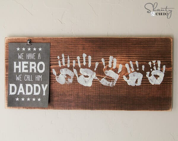 Father's Day idea reminds dad he's a hero. Try this We Have a Hero We Call Him Daddy Sign (+ free printable)