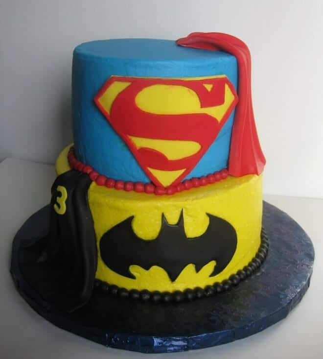Superman Cake Design Goldilocks : 17 Awesome Batman vs. Superman Party Ideas Spaceships ...