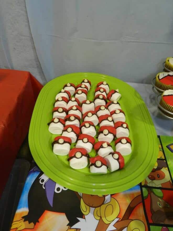 Pokeball Marshmallows