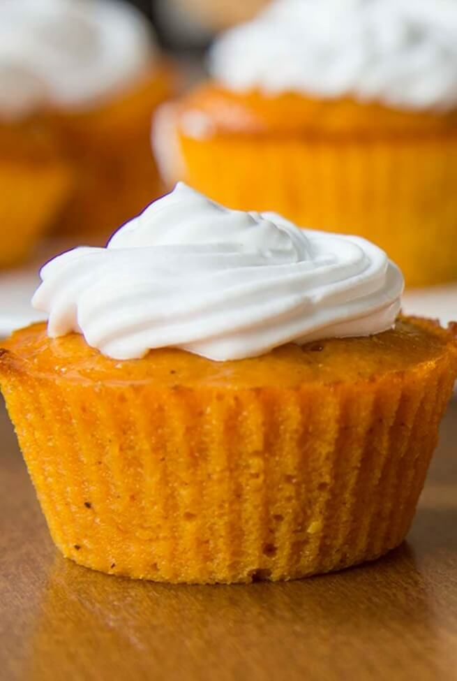 Impossible Pumpkin Pie Cupcakess