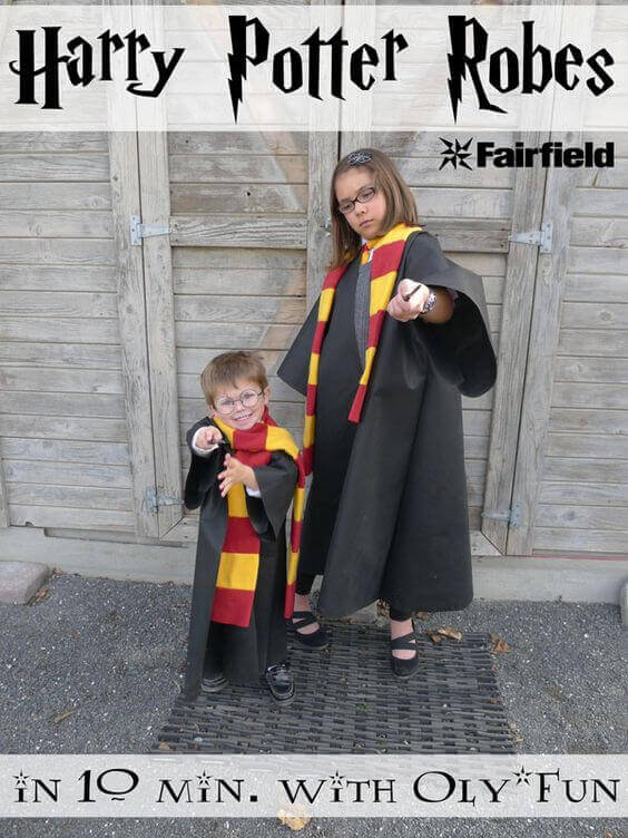 Make your own Hogwarts robes with this simple tutorial, perfect for a Harry Potter party.