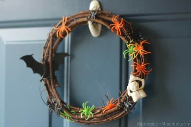 Easy Halloween Wreath for Slackers