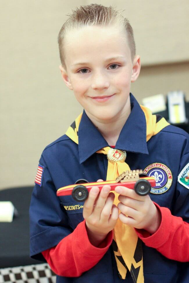 Boys Racing Pinewood Derby Party