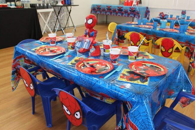 Boys Spiderman party Table