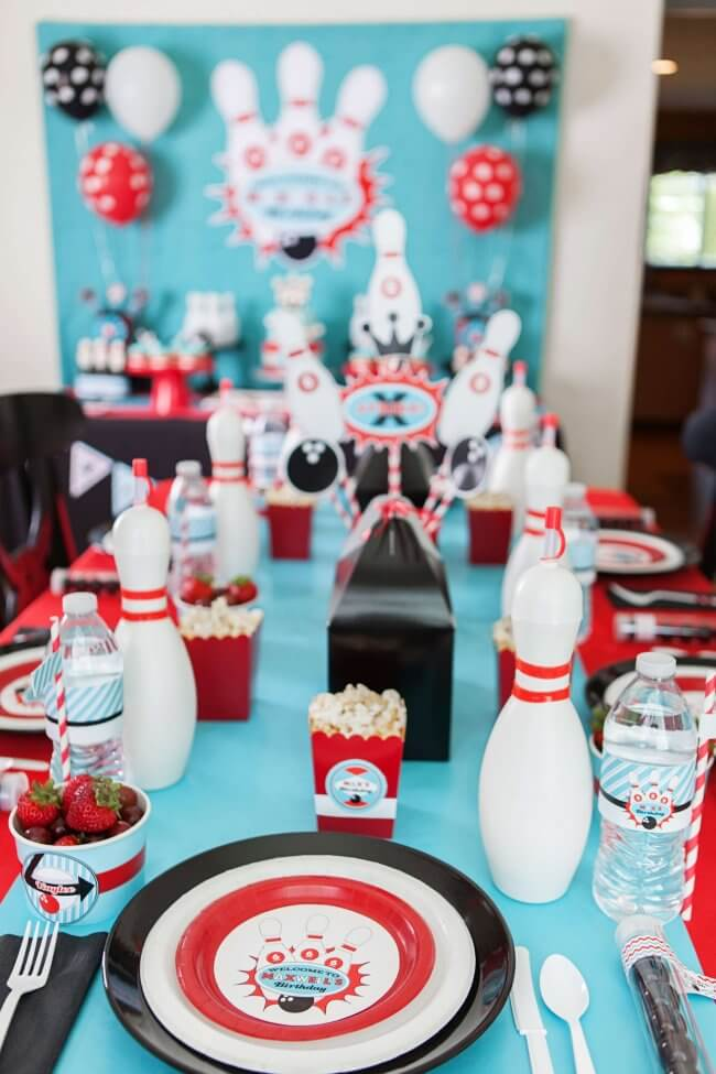 Boys Bowling Themed Birthday Party Food Party table ideas