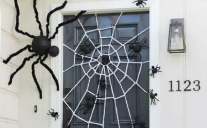 19 Halloween Door Decorating Ideas that are Hauntingly