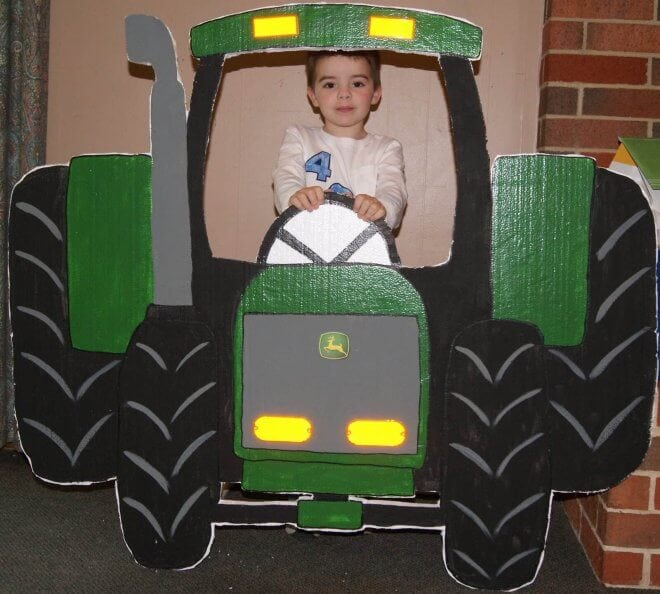 DIY Tractor Photo Prop