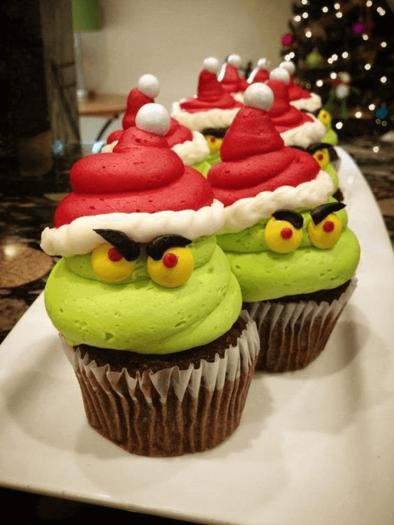Grinch Christmas Cupcakes