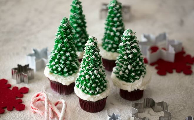 21 Creative Christmas Cupcake Ideas | Spaceships and Laser ...