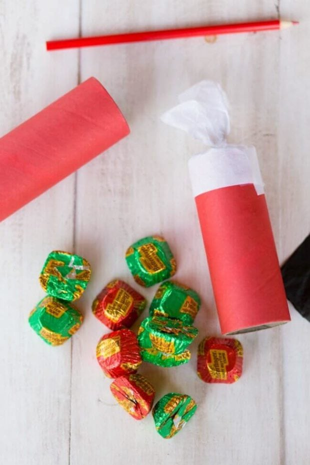 What to Put in Christmas Crackers