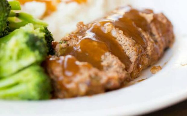 Easy Dinner Ideas: Meatloaf, Blue Cheese Mashed Potatoes + Lemon Garlic Broccoli