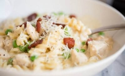 One Pot Chicken Cheese Alfredo with Bacon and Peas