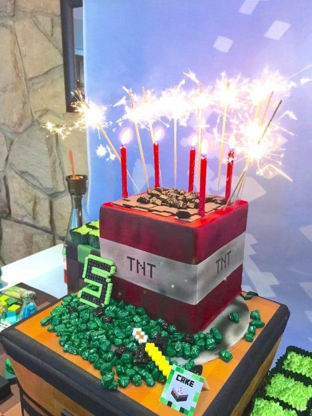 MIne Craft Birthday Party Cake