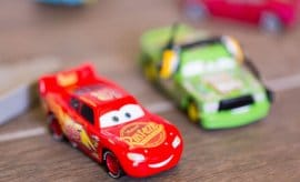 Lightening McQueen Race Track